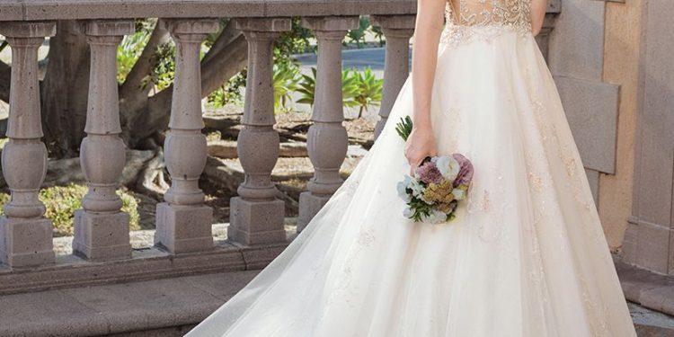 Váy cưới công chúa giúp cô dâu đẹp tựa thiên thần