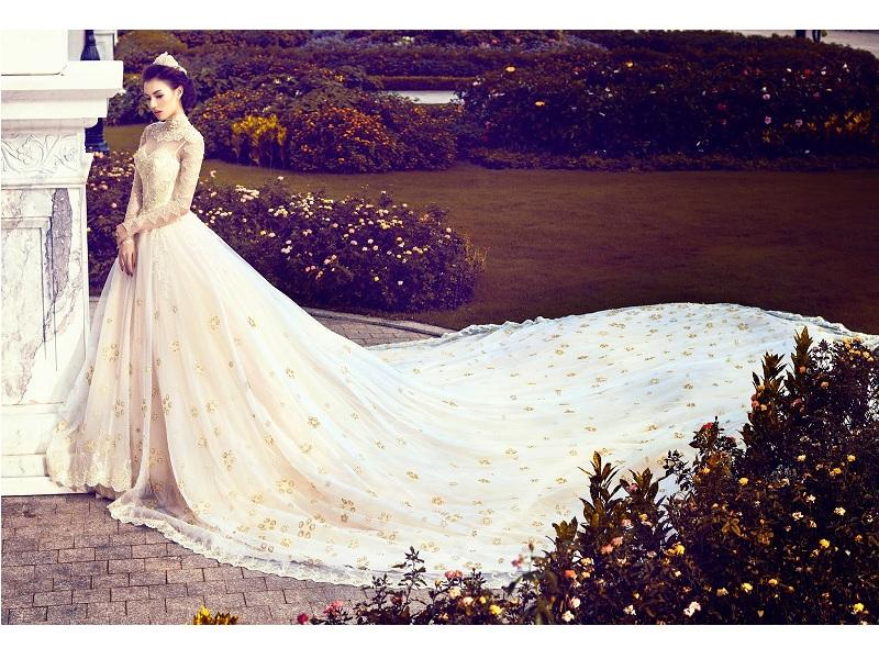 Với các thiết kế trang nhã, đầy tinh tế, đuôi váy xoè ra. Đem lại cho bạn cảm giác như những nàng công chúa trong truyện cổ tích.