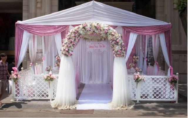 Cổng hoa lụa