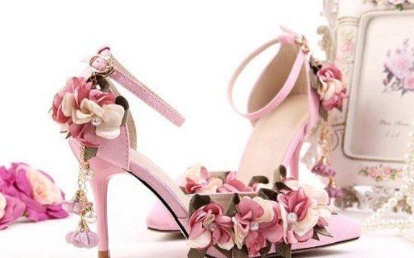 Chuẩn bị giày cưới