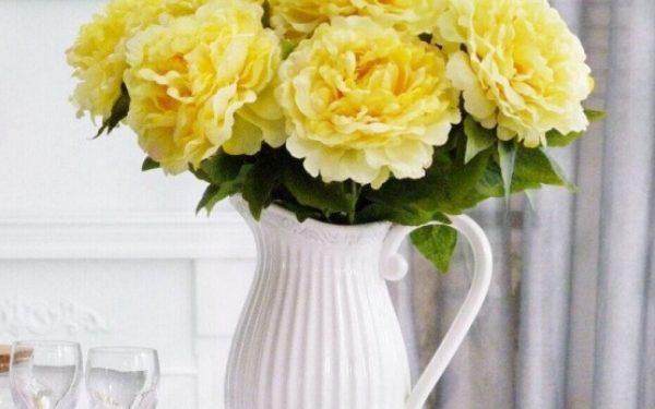 Lọ hoa để bàn bằng bình gốm