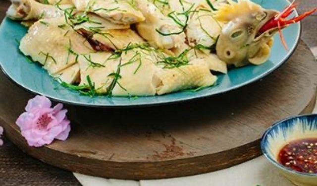 Gà luộc lá chanh - Món chính cho thực đơn đám cưới miền Bắc xưa và nay
